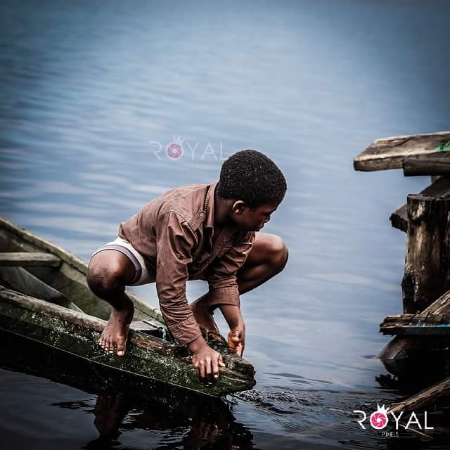 Life of a boy in Inzulezu. Photography by @royal_pixels